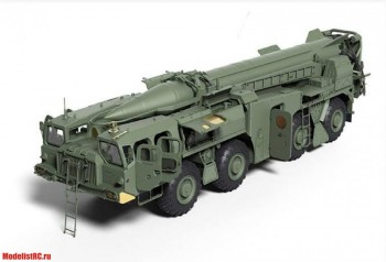 01019 Trumpeter 1/35 Soviet (9P117M1) Launcher with R17 Rocket of 9K72 Missile Complex